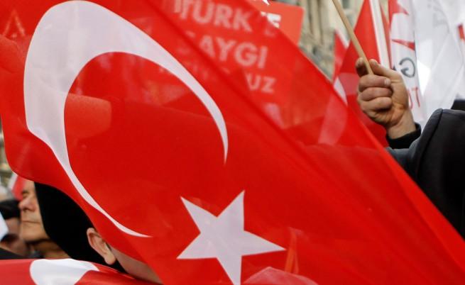 Законопроект за бракове с деца разгневи турците и ООН