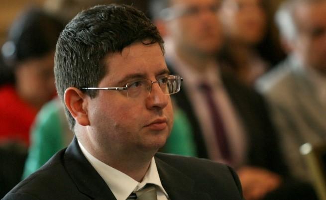 Чобанов пред НС: Рестартираме икономиката