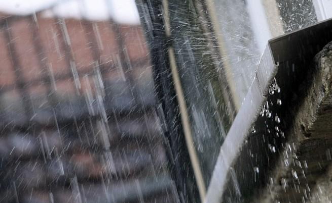 Очакват се обилни валежи в седем области, има жълт код