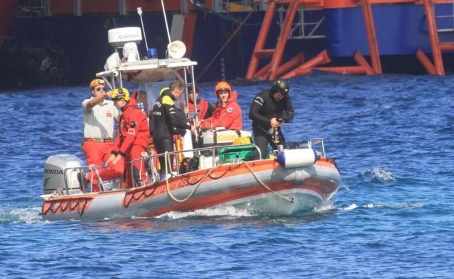 Два кораба потънаха в Средиземно море, загинали са десетки