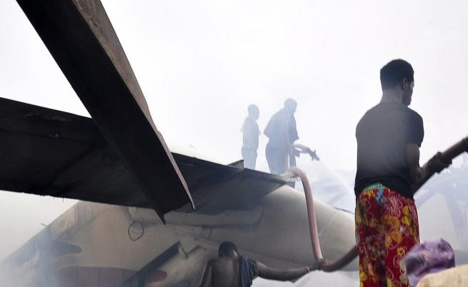 Експлозия в търговски център в Нигерия уби и рани десетки