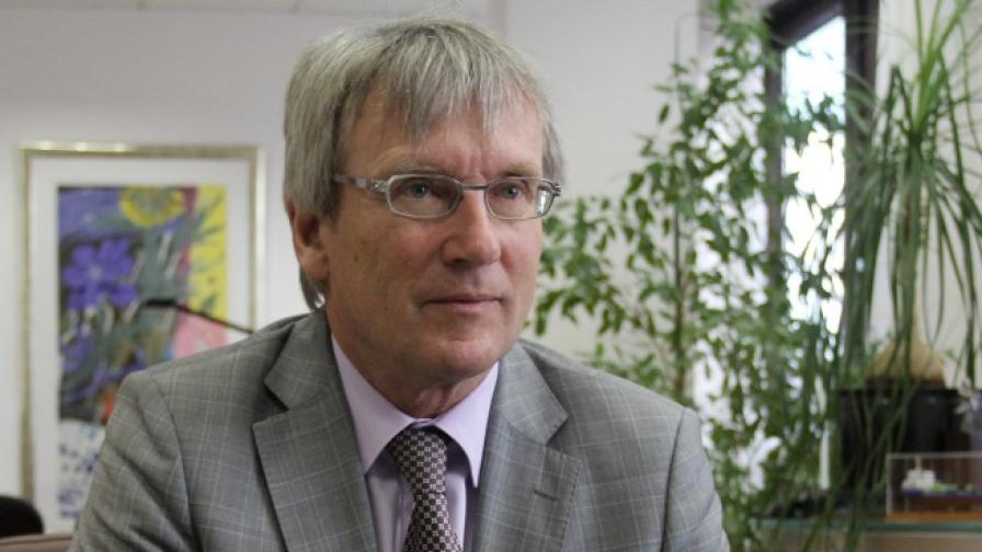 Посланик Хьопфнер за медиите у нас: За такива проблеми няма прости решения