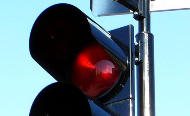 За шофьори: 500 лева глоба за минаване на червено