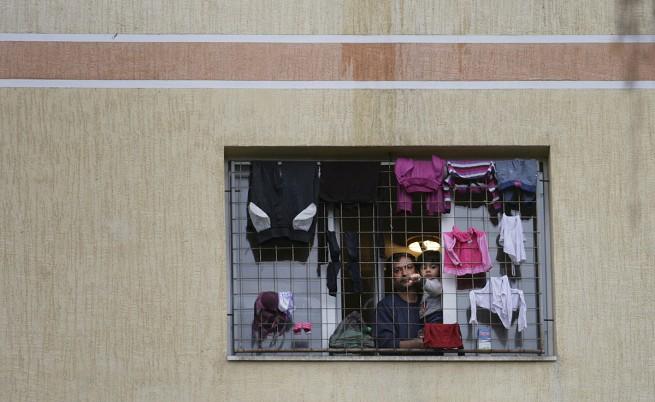 12 от бежанците представляват евентуална заплаха за страната