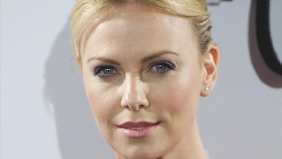 Актрисата споделя, че винаги е искала да осинови дете