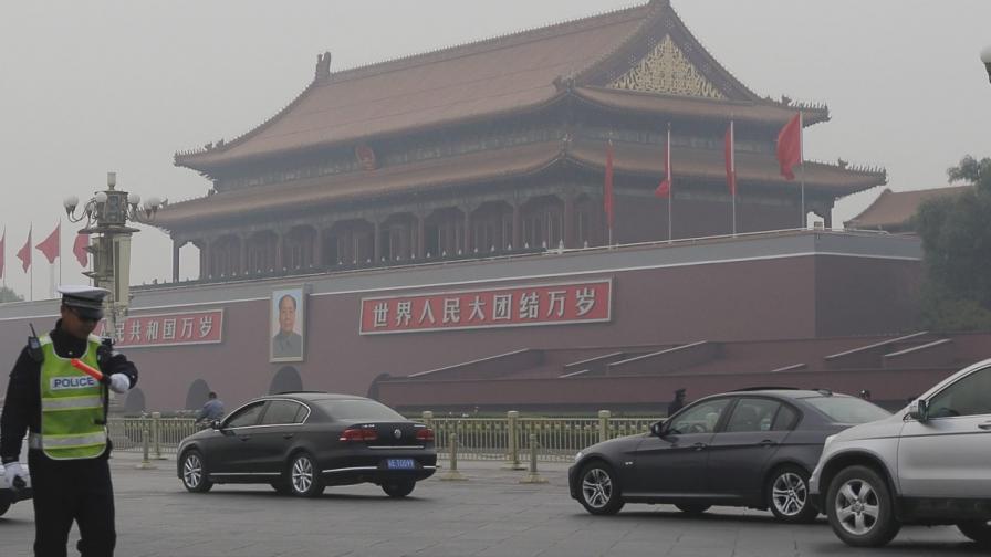 """Китай подозира, че станалото на """"Тянанмън"""" е самоубийствен атентат"""