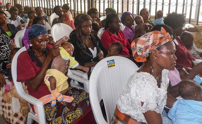 """Нигерия освободи 200 момичета и 93 жени от """"Боко харам"""""""