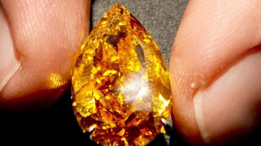 Продава се най-големият оранжев диамант в света