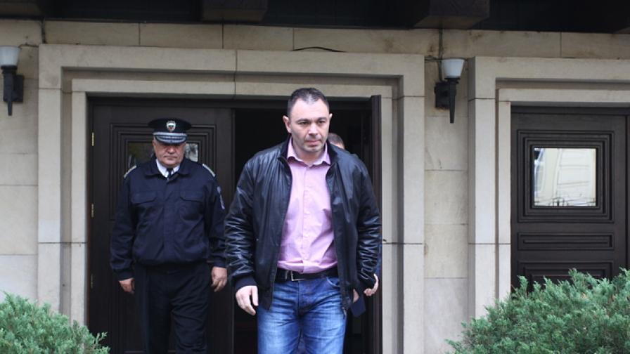 "Лазаров: Скинхедс са нападнали мъжа на ""Пиротска"""