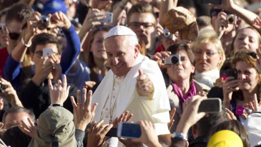 Папа Франциск е най-споменаваното име в интернет