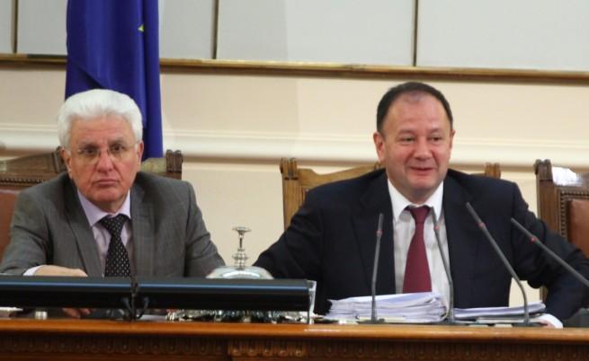 Бакалов: Отстраняването на Бисеров е послание
