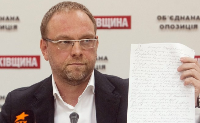 Адвокатът на Тимошенко обвинен в домашно насилие