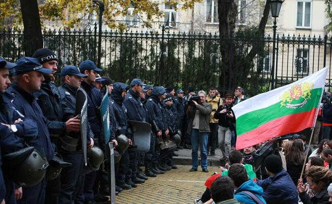 Протестиращи се оплакват, че ги привикват в полицията