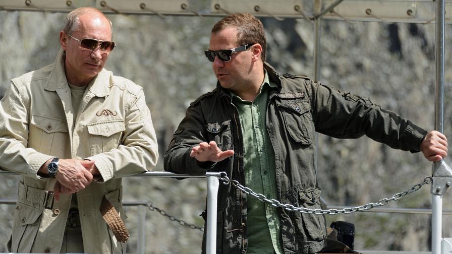 Путин отправи сигнал към Медведев: На когото не му харесва, да си ходи