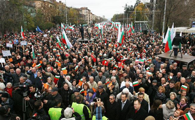 Световните агенции за двата митинга: България е в тежка политическа криза