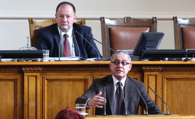 Цонев: Губим данъци за над 1 млрд. лв. на година от онлайн хазарт