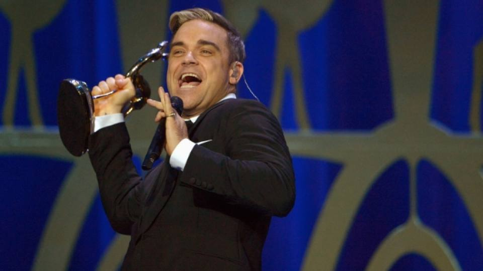 """Роби Уилямс на сцената на наградите """"Бамби"""""""
