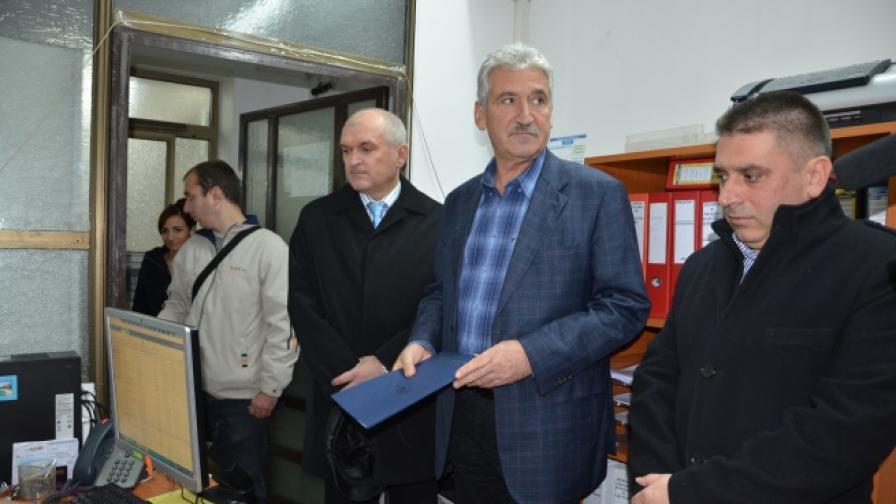 Данаил Кирилов, заедно с колегите си Красимир Велчев и Димитър Главчев внесоха жалба до Комисията за защита на личните данни