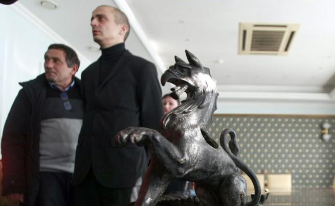 Паметникът на Левски ще бъде възстановен до февруари