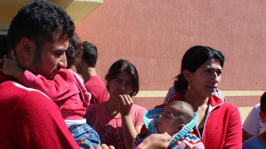 Отварят два нови центъра за бежанци в Южна България