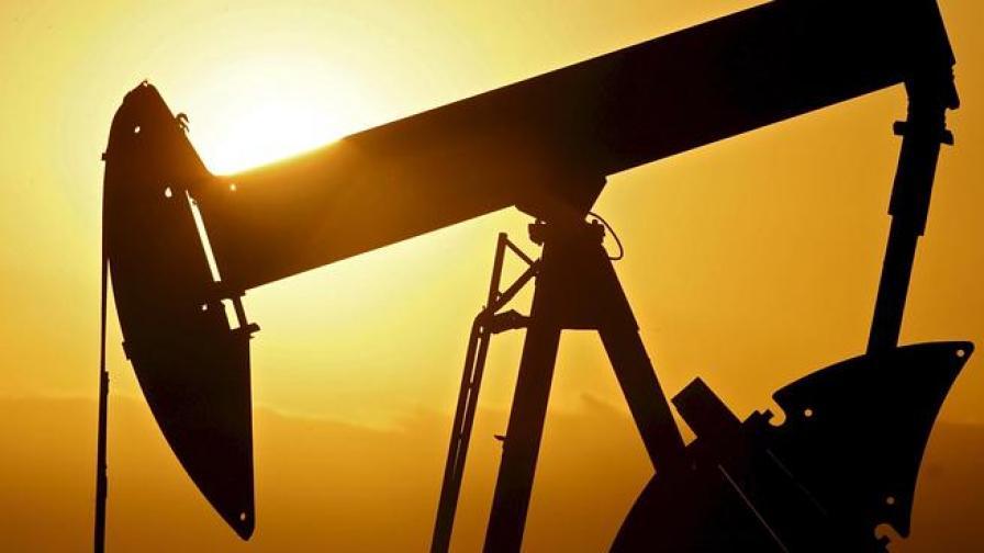 Петролът поевтиня до 97,34 долара за барел