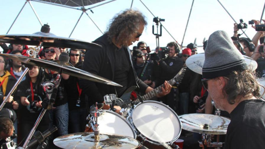 """""""Металика"""" изнесоха исторически концерт в Антарктида"""