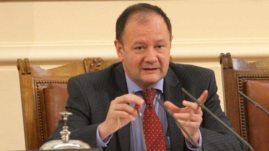Миков: Кабинетът си тръгва, защото му е дошло времето