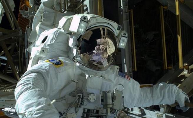 Ремонтираха успешно системите за охлаждане на МКС