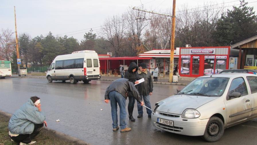 Пиян с 2,48 промила блъсна човек на автобусна спирка в Русе