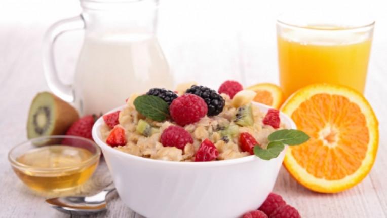 мюсли закуска здравословна полезна мед портокал мляко