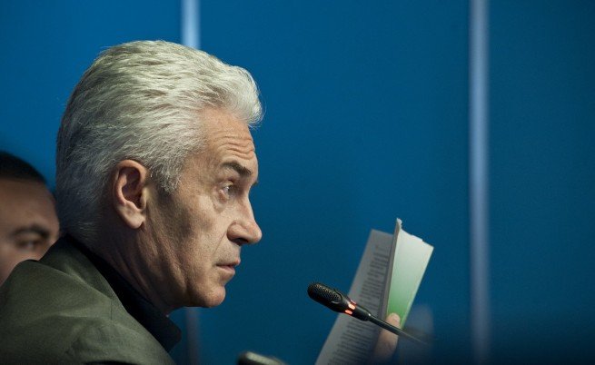 Волен Сидеров се забърка в скандал на летище Варна