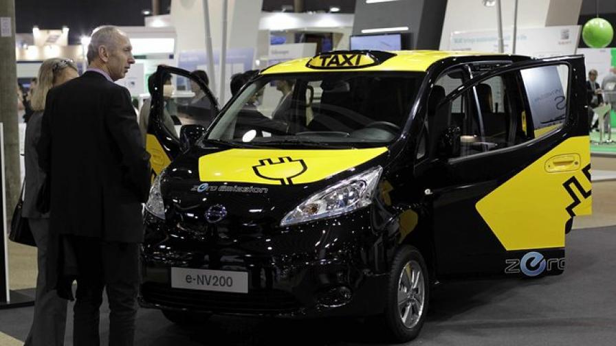Нисан представи нов модел лондонско такси