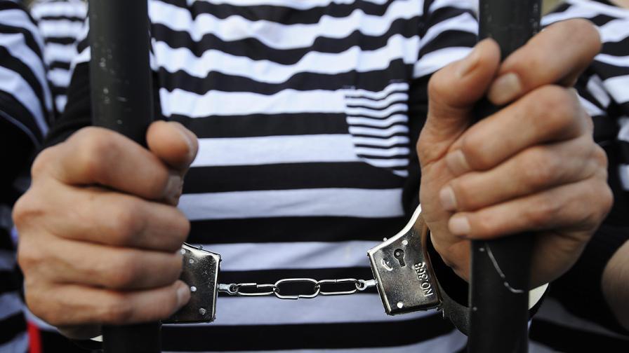 Обвиненият в убийството на Хюлия иска да остане в ареста
