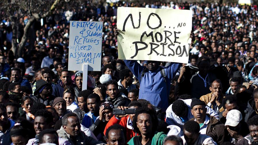 Над 10 хил. африкански имигранти протестираха пред на израелския парламент