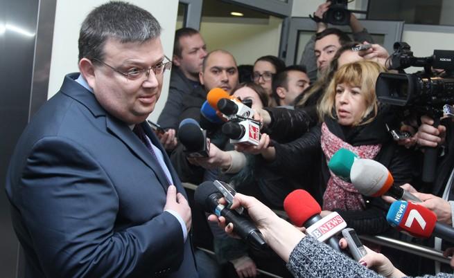 Сотир Цацаров: Възможно е да поискам и други имунитети